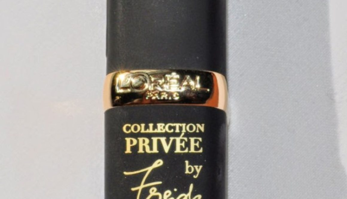 "Swatched: L'Oreal Collection Privee Frieda's Nude in ""Barely Parma"""