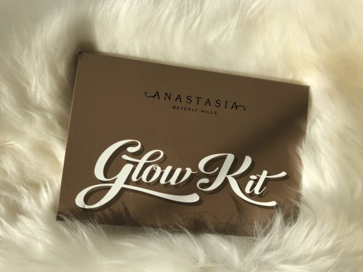 Swatched: Anastasia Beverly Hills Ultimate Glow Kit