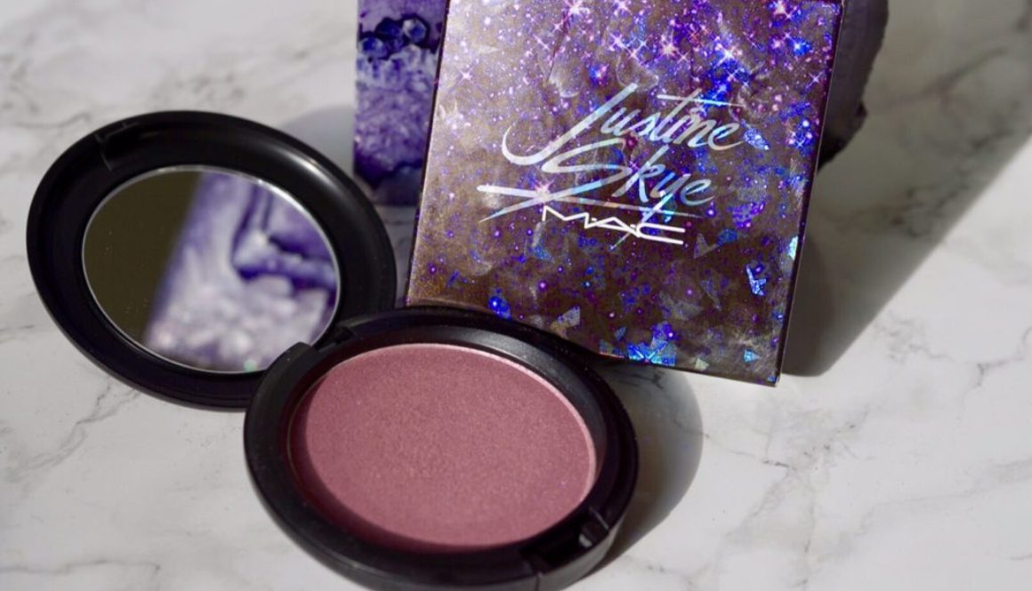 Swatched: MAC X Justine Skye Iridescent Powder